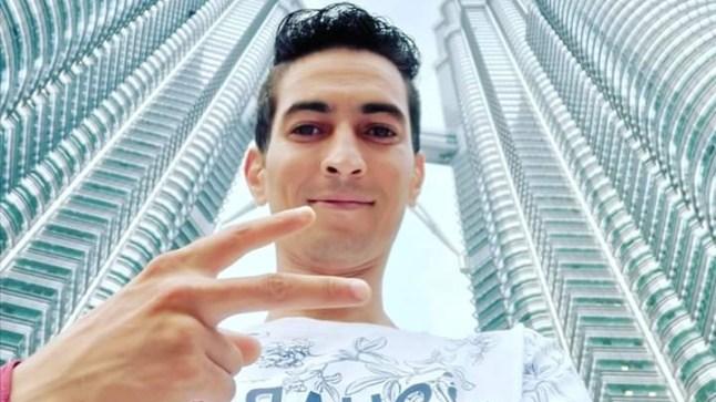 """يوتوبرز صحراوي يهدد بالانتحار من ماليزيا بسبب عدم تجديد جواز سفره، وهذا ما دار بينه و """"بوريطة"""" عبر اتصال هاتفي"""