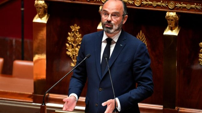 فرنسا تعلن إعادة فتح المدارس والمتاجر في 11 ماي مع استثناء المقاهي والمطاعم