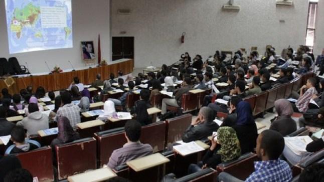 وزارة التعليم العالي تعلن موعد الدخول الجامعي و تخير الطلبة بين الدراسة عن بعد أو التعليم الحضوري !