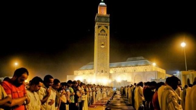 وزارة الأوقاف تدرس إقامة صلاة التراويح في رمضان