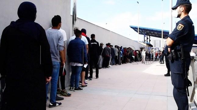 مئات المهاجرين المغاربة يصطفون لطلب اللجوء إلى إسبانيا
