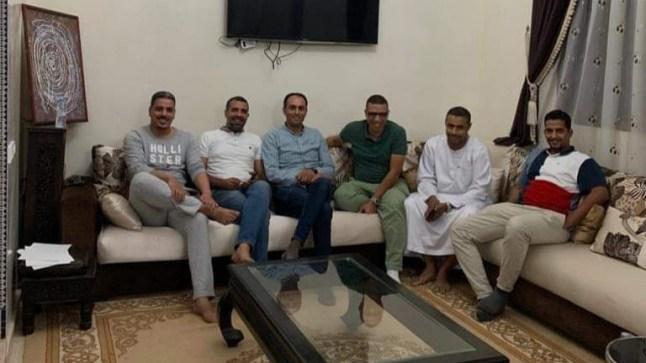 """في منزل """"منصور داهي"""" بالعيون. شباب الأصالة والمعاصرة يدرسون استراتيجية خوض انتخابات الغرف المهنية"""