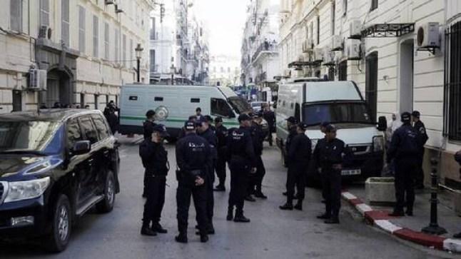 الشرطة الجزائرية توقف متورطين في إشعال حرائق الغابات
