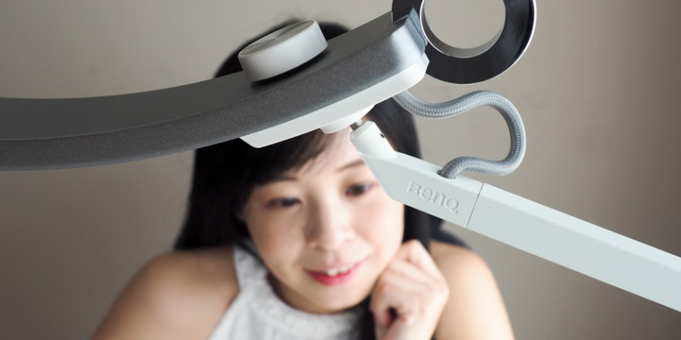 BenQ WiT 螢幕閱讀檯燈 智能調光升級版:守護我的眼底星空,我的護眼小幫手檯燈推薦!