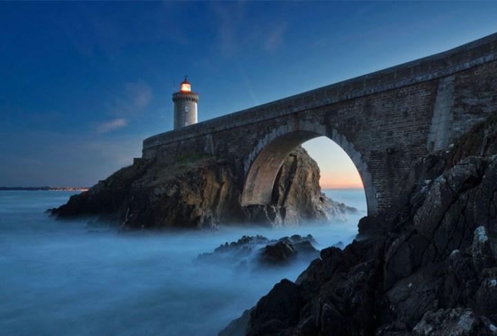 7700410-R3L8T8D-900-amazing-lighthouse-landscape-photography-4