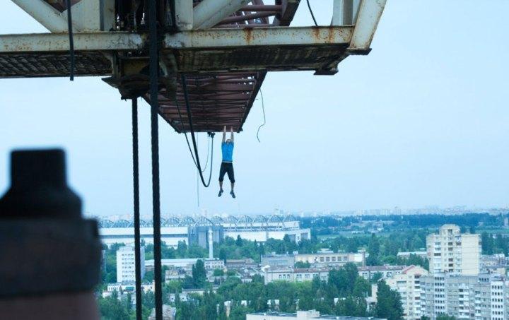 ukrainian-daredevil-hangs-from-buildings-mustang-wanted-8