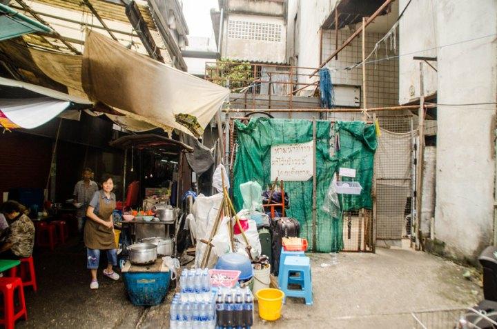 abandoned-shopping-mall-bangkok-fish-jesse-rockwell-7
