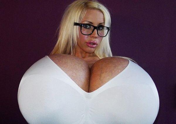 Самая большая грудь в мире без одежды — pic 10