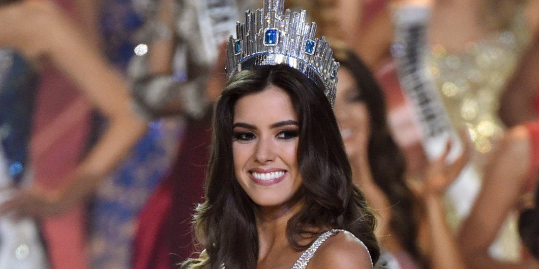 Miss Colombia Paulina Vega is crowned Miss Universe 2014 during the 63rd Annual MISS UNIVERSE Pageant at Florida International University on January 25, 2015 in Miami, Florida. AFP PHOTO / TIMOTHY A. CLARY (Photo credit should read TIMOTHY A. CLARY/AFP/Getty Images)