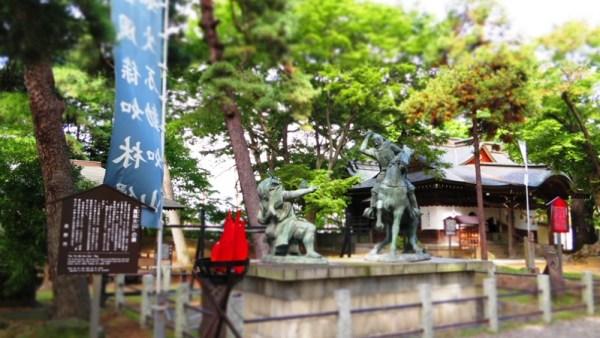 長野市川中島古戦場八幡神社上杉謙信武田信玄銅像