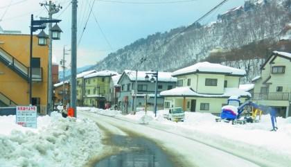 千曲市戸倉上山田温泉大雪積雪道路状況