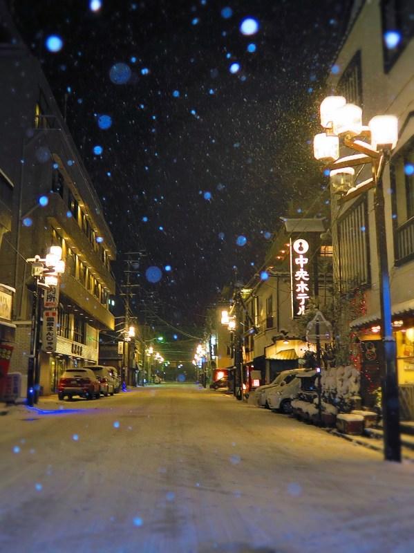 長野県千曲市戸倉上山田温泉中央ホテル道路積雪状況