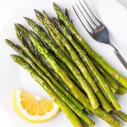 Măng tây chứa ít calo giúp giảm cân