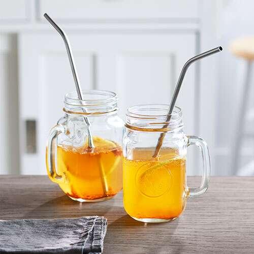 Nên uống giấm táo giảm cân bằng ống hút