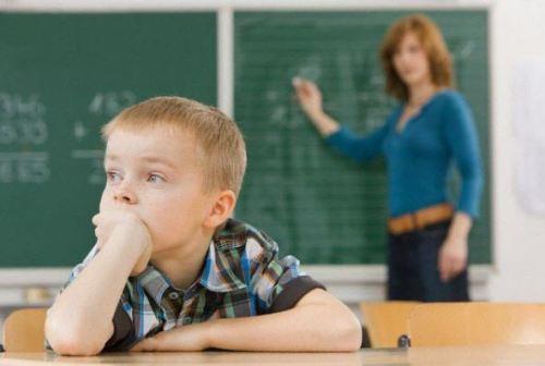 Biểu hiện trẻ chậm phát triển trí não
