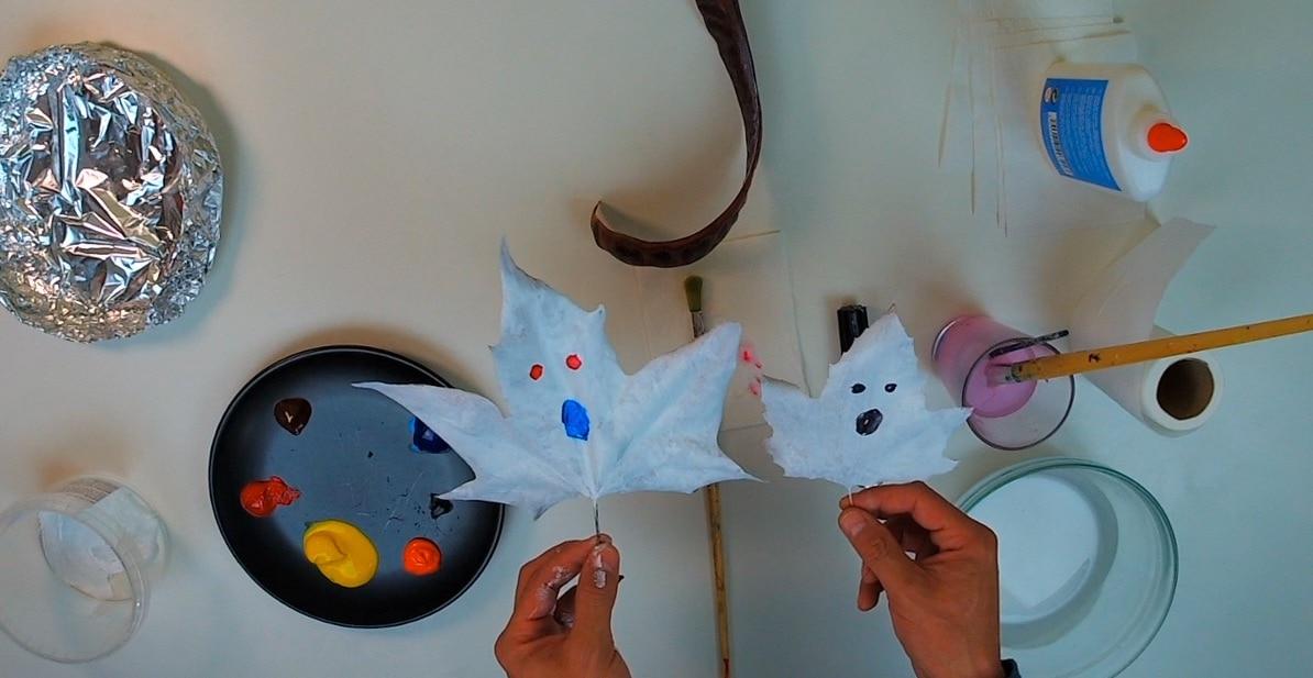 adornos halloween: fantasma con hoja
