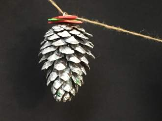 Piñas: adornos de navidad