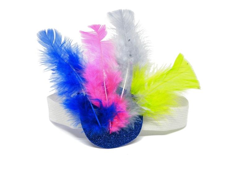 cinta elastica goma y plumas de colores para hacer tocado de plumas para carnaval