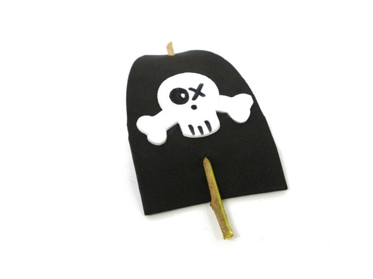 bandera y mastil para barco pirata de juguete