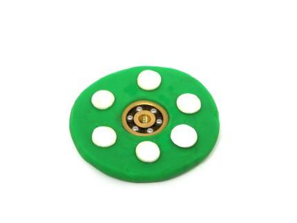 spinner casero hecho con plastilina