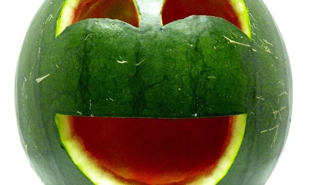 Decoración para el verano: sandía sonriente. ¿Cómo hacer una sandía sonriente y decorativa para el verano?