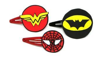 horquillas con logos de super heroes hechas con goma eva