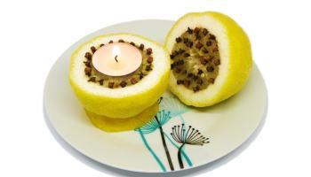 repelente de mosquitos hecho con limon y clavos