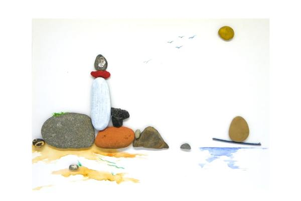 Cuadro con motivo costero hecho con piedras de la orilla del mar de distintos tamaños y formas