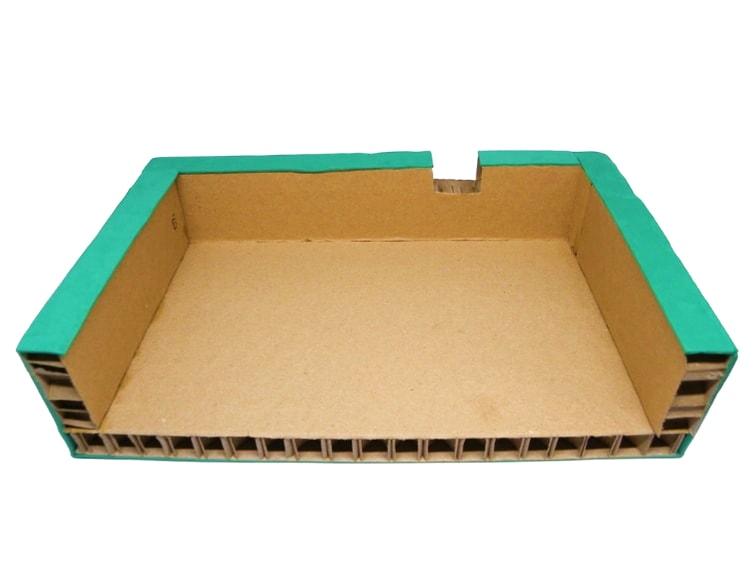 soporte para monitor hecho con carton nido de abeja vista interior