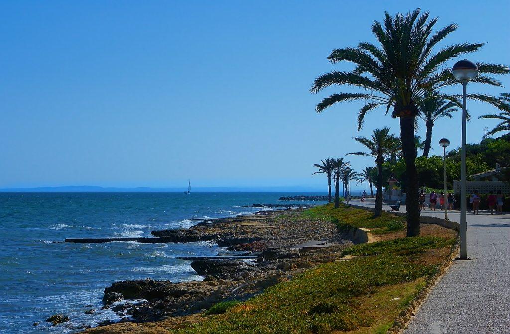 paseo vicealmirante blanco direccion playa del varadero santa pola