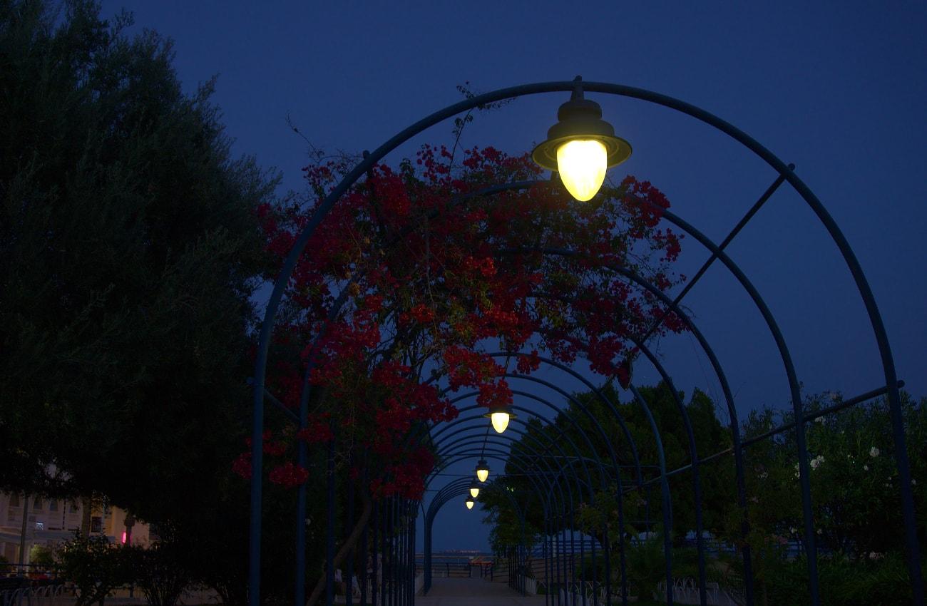 plaza de la comunidad valencia en santa pola