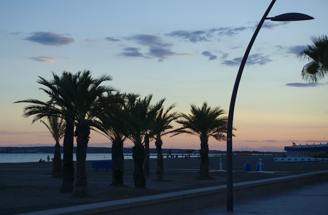 vista de la playa del tamarit de santa pola