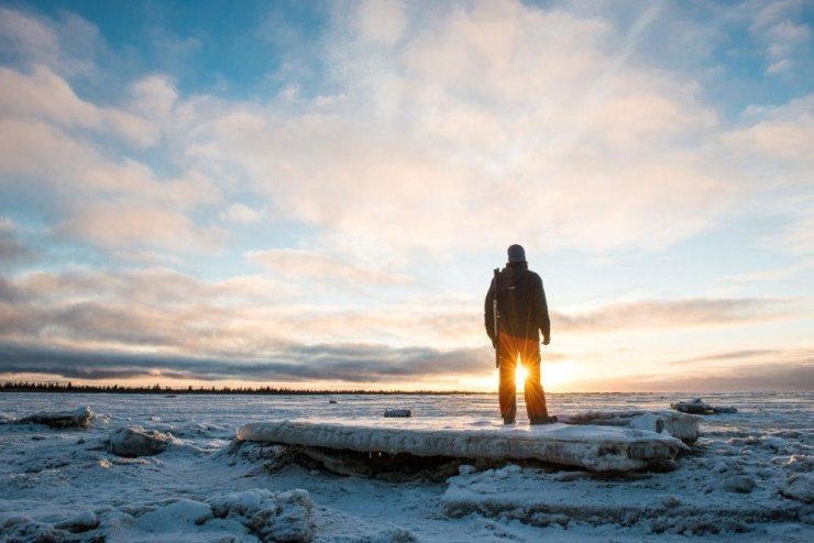 Solitude and sun at Nanuk Polar Bear Lodge. Zach Doleac photo.