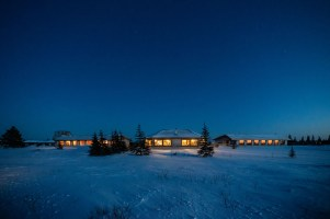 1st Place - Lodge Int./Ext. - Churchill Wild 2019 Guest Photo Contest - Fabienne Jansen - Den Emergence Quest - Nanuk Polar Bear Lodge