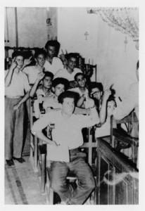 (13) Κλείσιμο σχολείων - ΄κρυφό  σχολειό΄ 1955