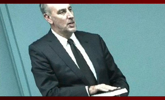 Brian Houston swearing on the bible at the Royal Commission