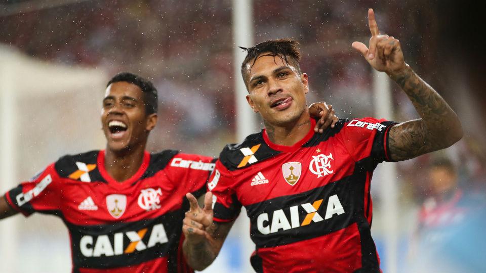 Guerrero Flamengo Maracanã Atlético-PR Libertadores 2017