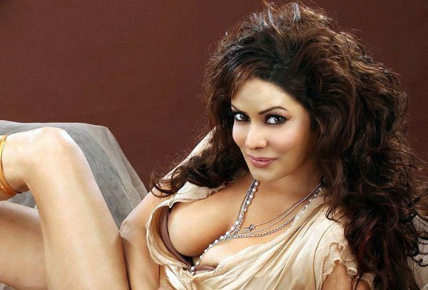indian-glamour-actress-poonam-jhawar-unseen-hot-photoshoot-stills-1_650