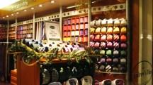 cửa hiệu bán tie
