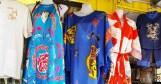 những chiếc áo màu ở phố Tàu Toronto