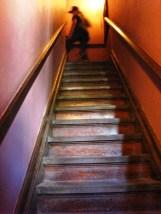 cầu thang và cửa bí mật trong lâu đài