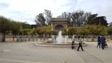 Quảng trường và fountain