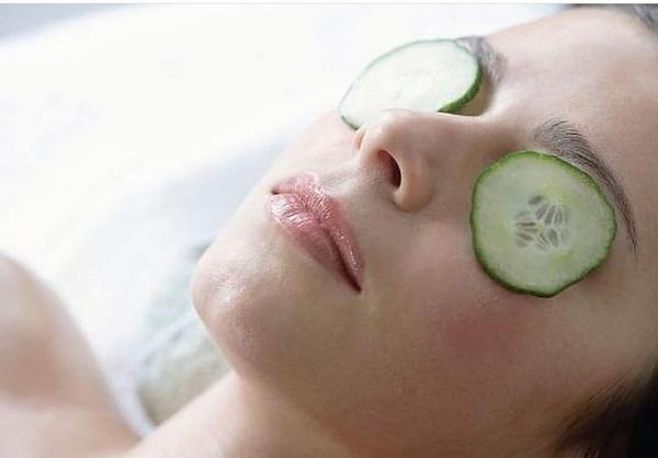 Ăn gì để giảm bọng mắt, quầng thâm? 12 thực phẩm trị thâm, bọng mắt