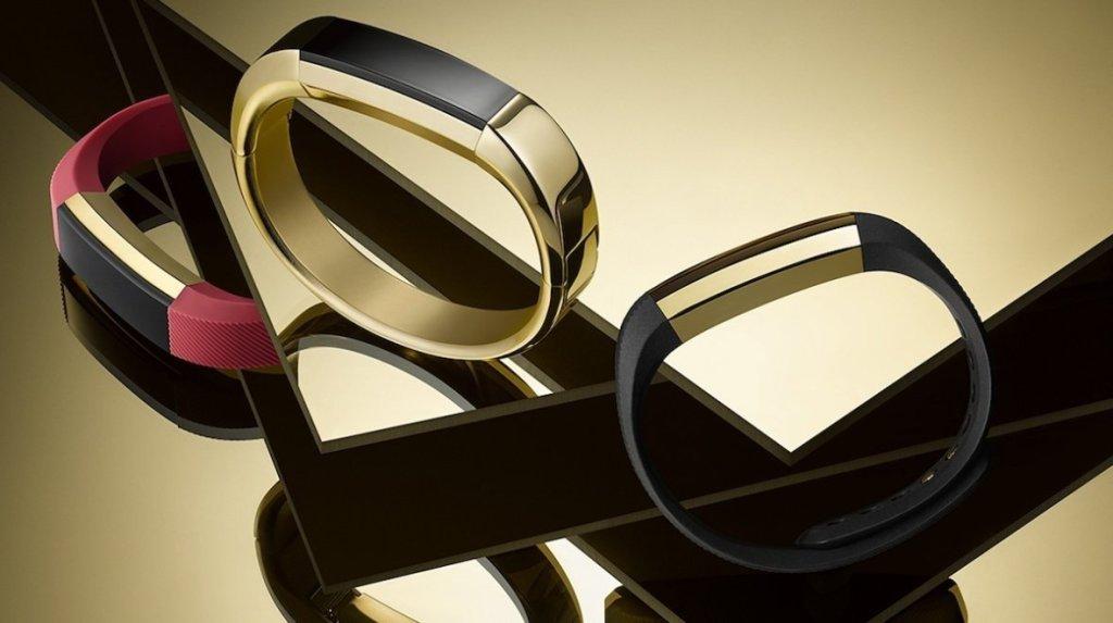 Fitbit náramky jsou nejprodávanější, porazily i Apple Watch