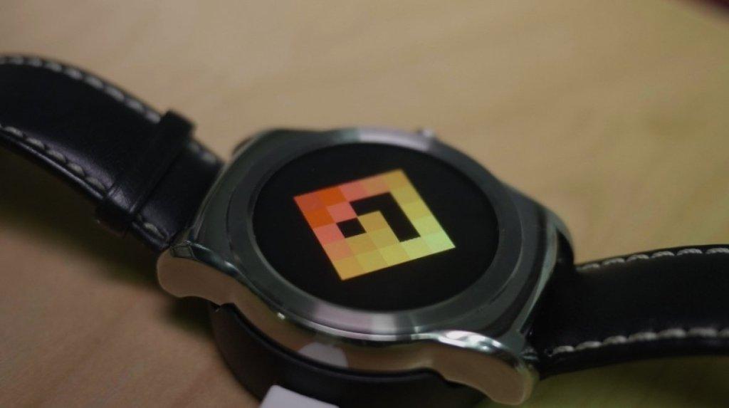 Student vyvinul operační systém pro chytré hodinky