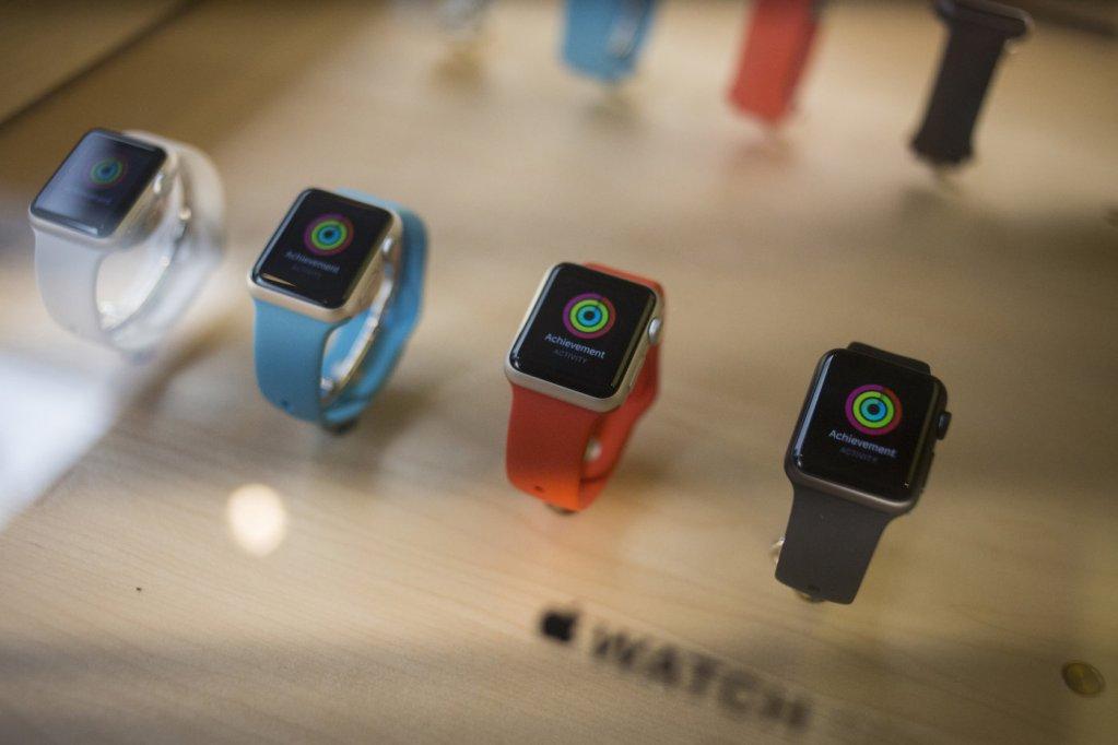 Apple Watch 2 dorazí na podzim, nové řemínky v březnu