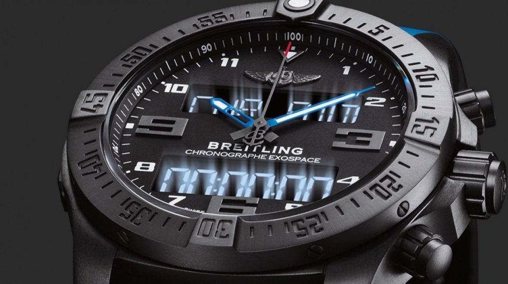 Breitling Exospace B55 Connected jsou chytré hodinky pro piloty, které jsou nyní v prodeji