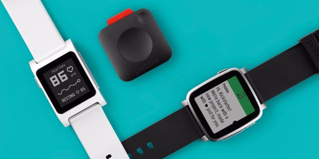 Fitbit bude pokračovat v podpoře Pebble zařízení i příští rok