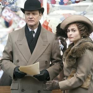 Os atores Colin Firth e Helena Bonham Carter em cena do filme O Discurso do Rei