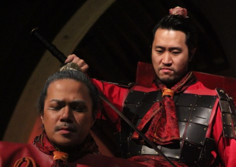 Angelo Paragoso as DongZhuo and Arthur Lee as LuBu